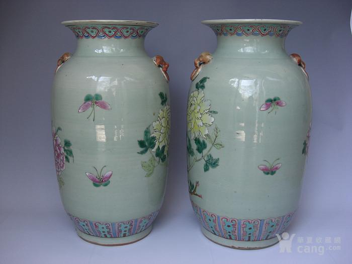 豆青釉粉彩花卉灯笼瓶一对 已鉴定图2