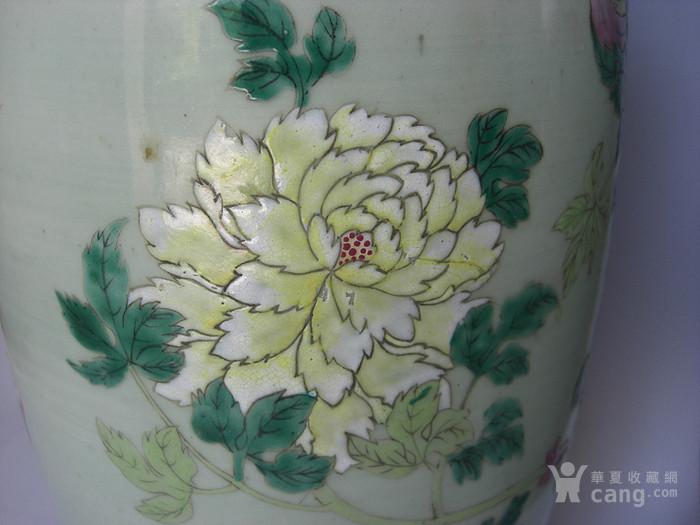 豆青釉粉彩花卉灯笼瓶一对 已鉴定图7
