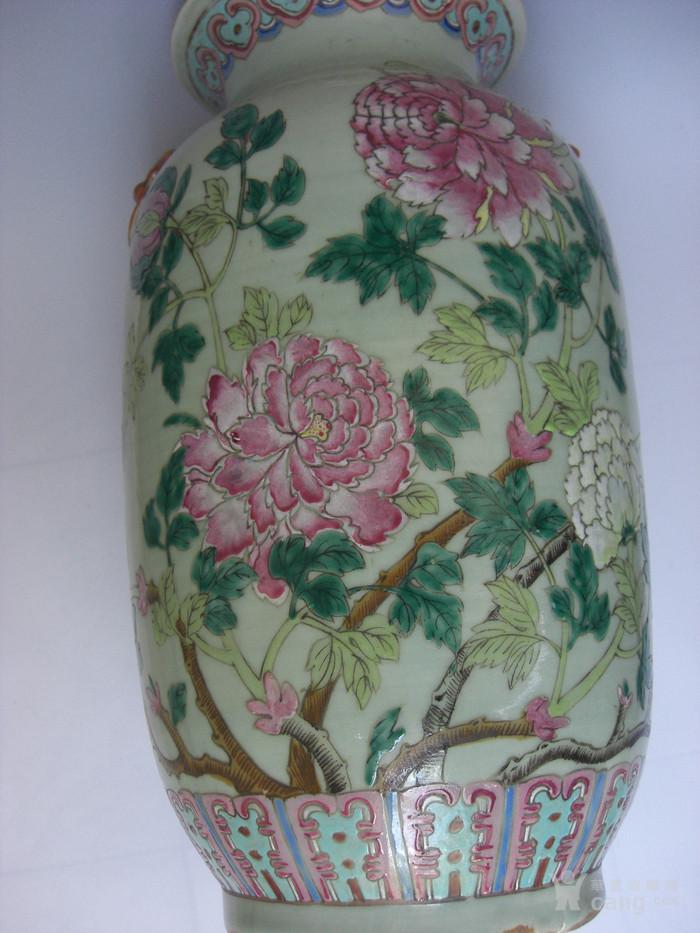 豆青釉粉彩花卉灯笼瓶一对 已鉴定图12