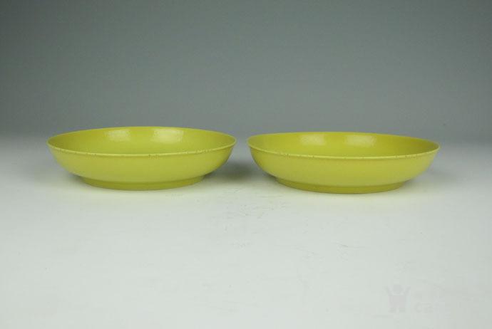 清雍正 柠檬釉盘一对图12
