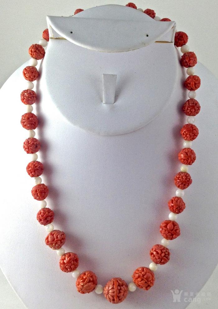 仿红珊瑚雕刻花卉圆珠项链