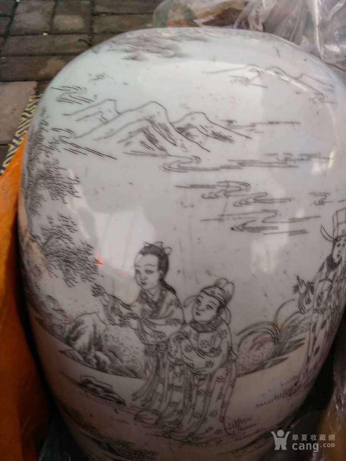 清晚期精品刻瓷梁山伯与祝英台冬瓜罐图3