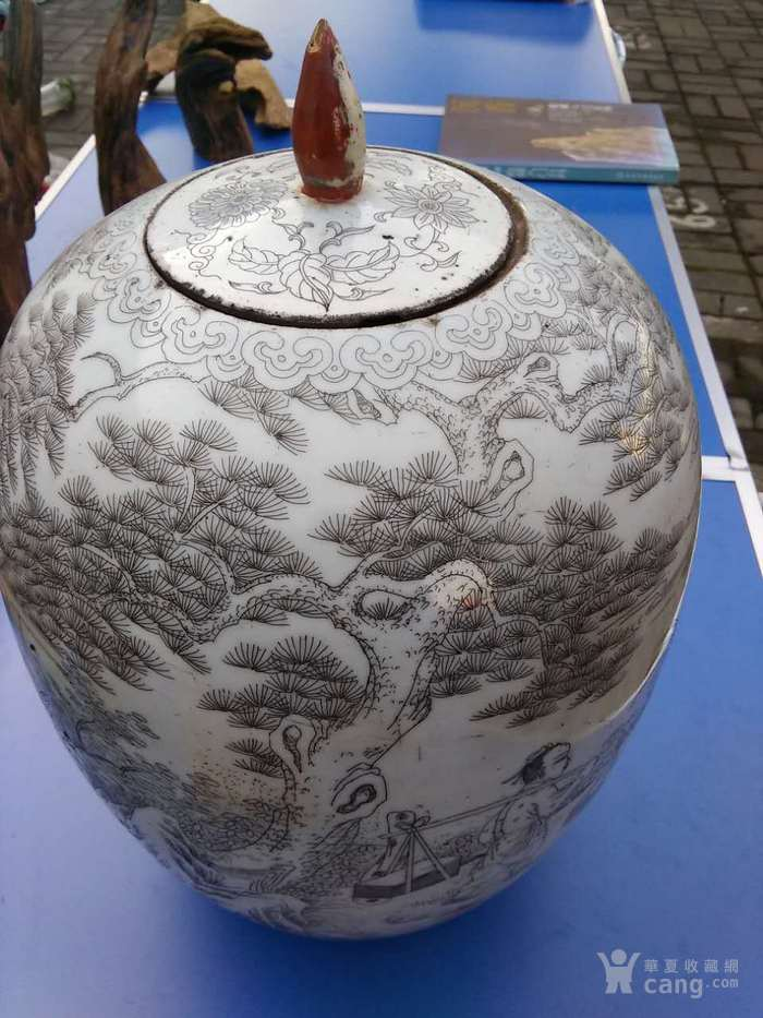 清晚期精品刻瓷梁山伯与祝英台冬瓜罐图1