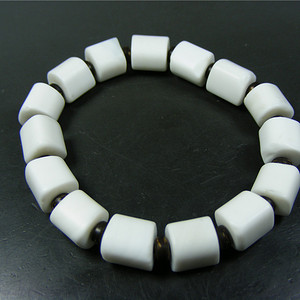 把玩极好 至少几十年的老白色砗磲随形大剁珠手钏(不议价)