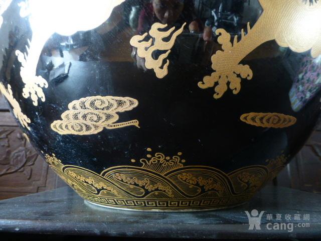 清代黒釉龙纹描金天球瓶图9