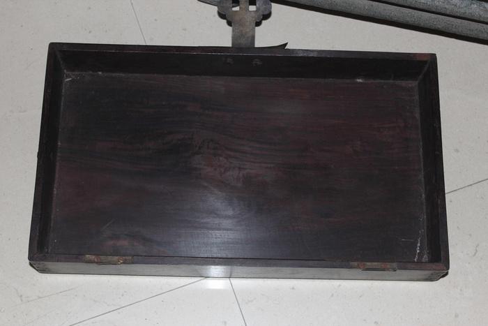 清代酸枝木箱图5