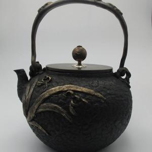 龙文堂造日本回流铁壶