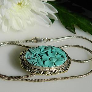 印第安河回流*清代老松石雕花坠(夹)送纯银项链(不还价)