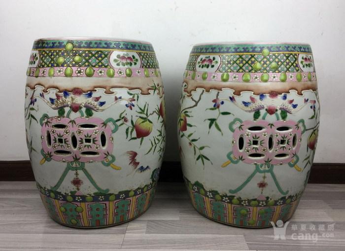 清代粉彩绘五福捧寿瓷鼓凳一对图4