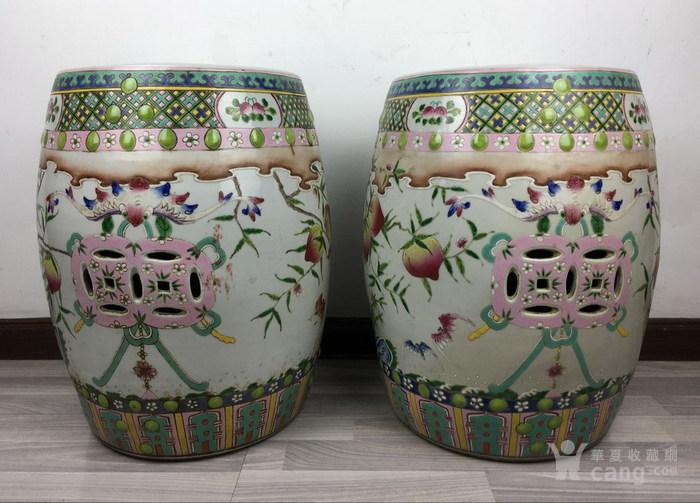 清代粉彩绘五福捧寿瓷鼓凳一对图2