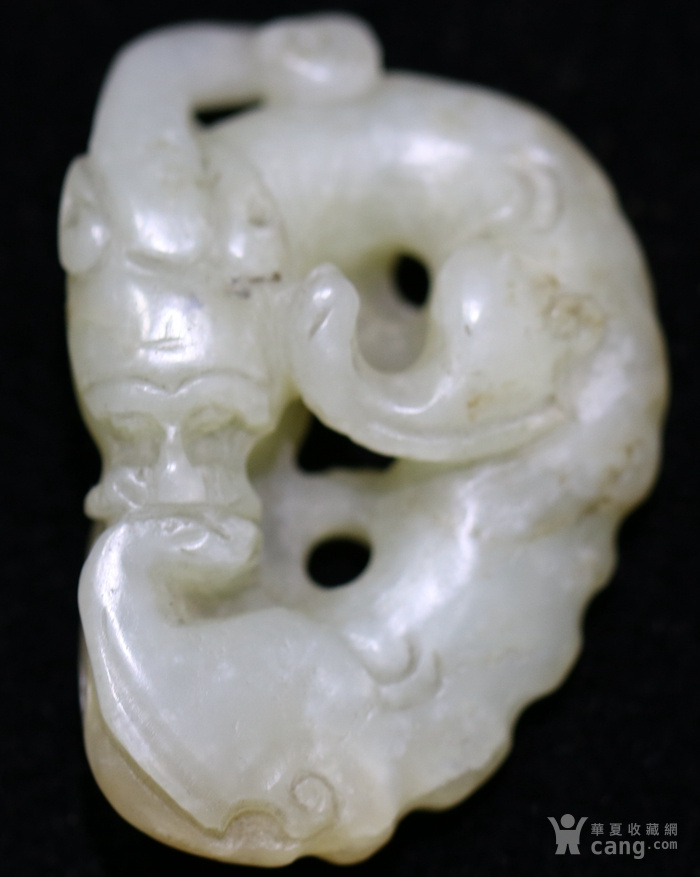 和田白玉籽料玉龙型挂件图1