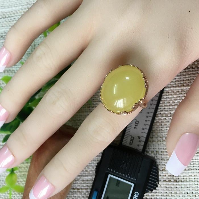 18K金柠檬黄蜜蜡戒指图1
