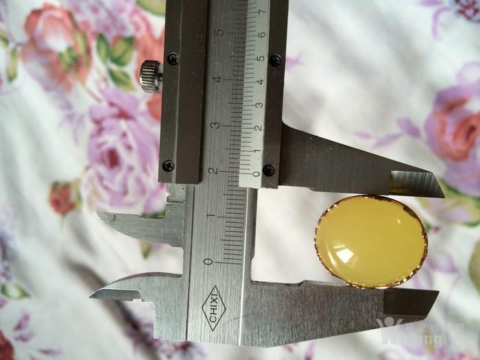 18K金柠檬黄蜜蜡戒指图3