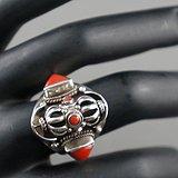 银镶嵌天然珊瑚金刚杵戒指