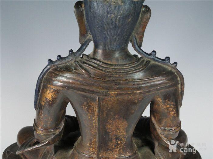 清乾隆 铜合手坐莲台观音造像图3