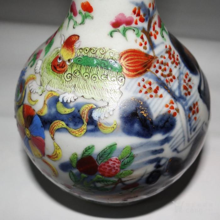 海外回流清代粉彩+青花+描金长颈小瓷瓶图9