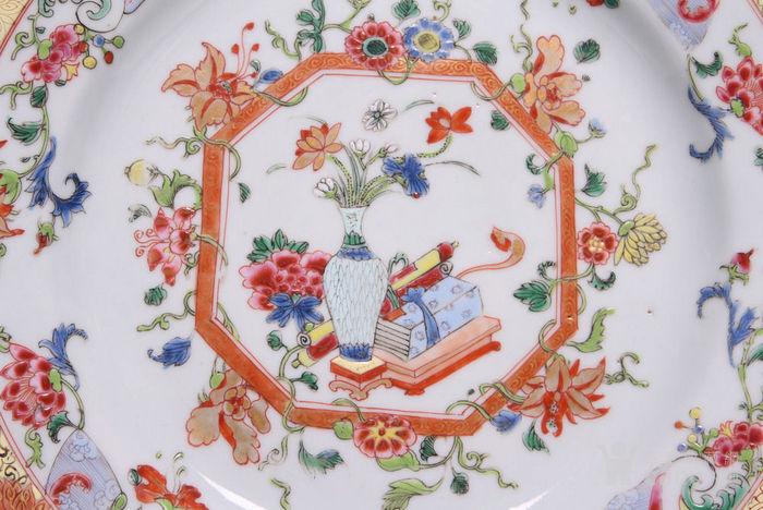 乾隆粉彩描金花卉盘(精品)图2