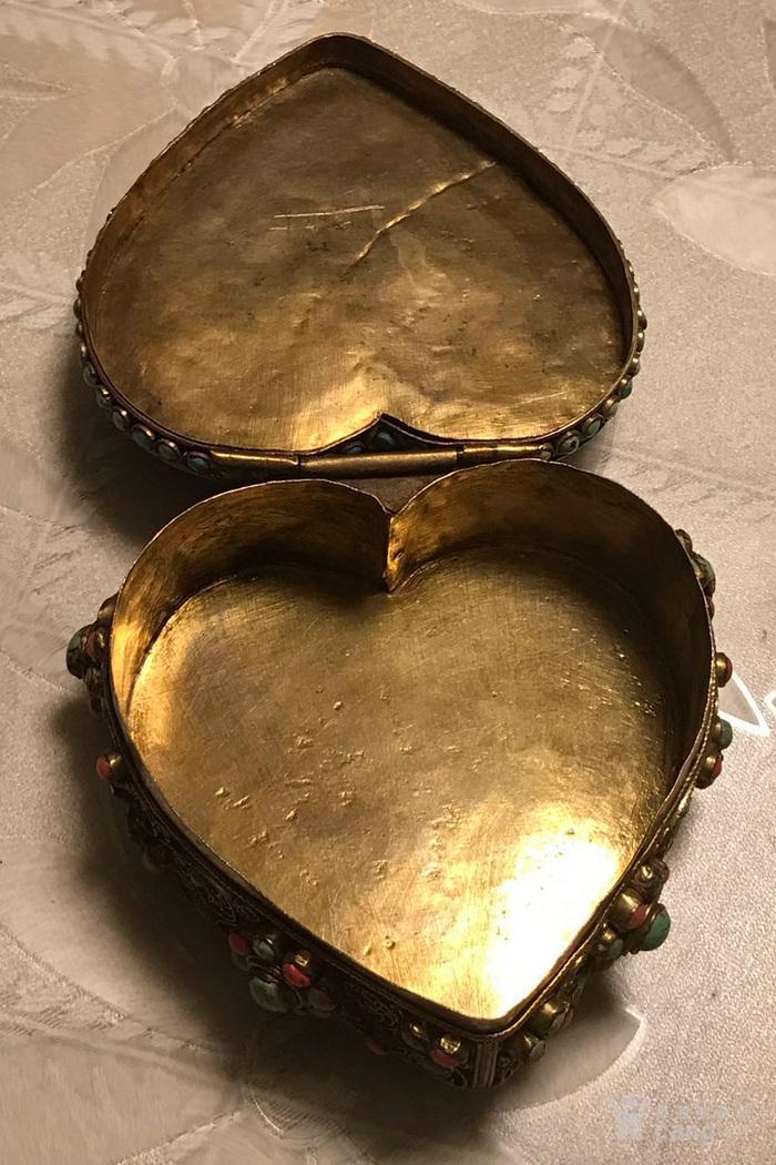 海外回流心形镶嵌宝石佛宝盒老银首饰盒图5