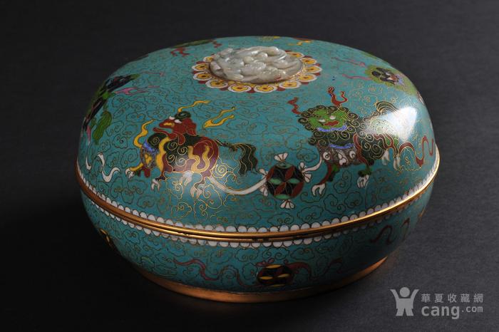 清代 铜胎掐丝珐琅狮子绣球纹捧盒-图1