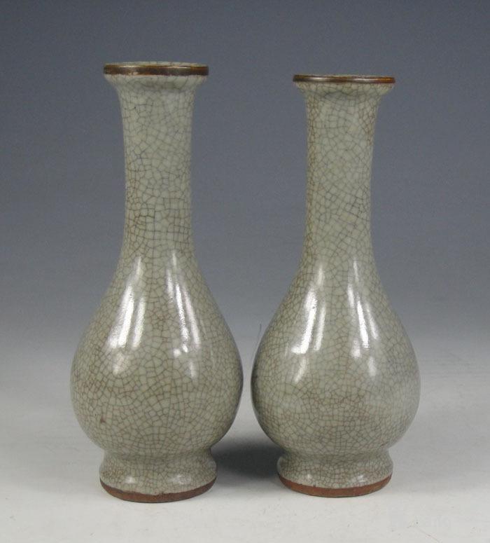 明代 哥窑小花瓶一对图2