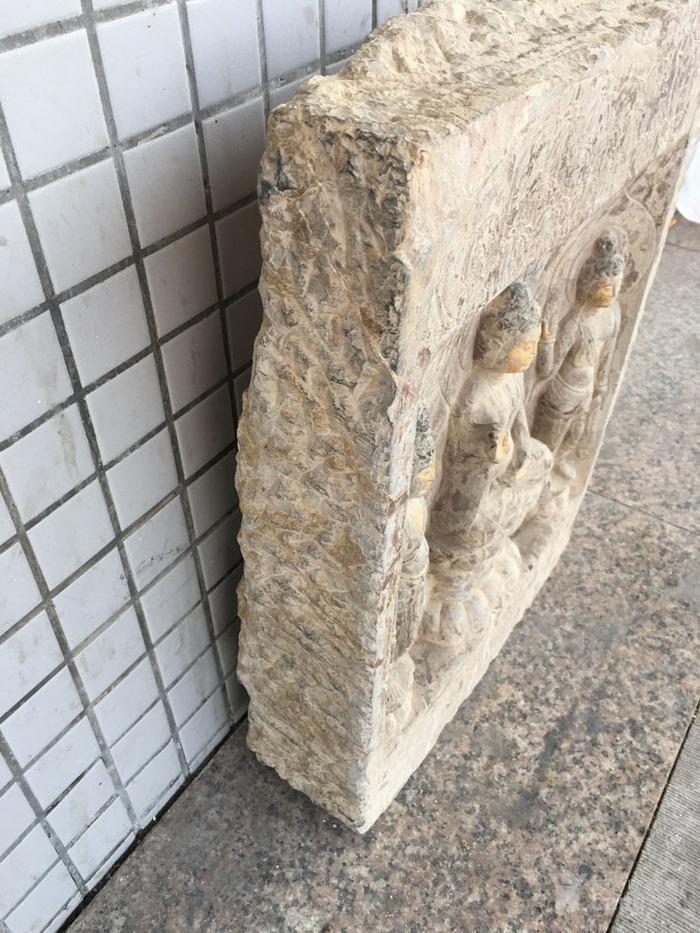 华夏古玩城 杂项 石雕 > 古董老货北*石雕佛像一尊  年代:高古 品相
