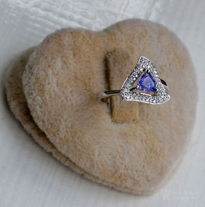坦桑石女戒 天然坦桑石镶南非钻石18K白金女款戒指图3