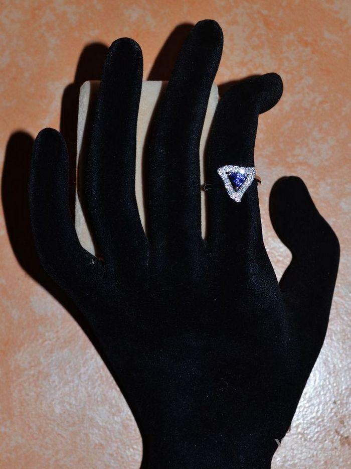 坦桑石女戒 天然坦桑石镶南非钻石18K白金女款戒指图2