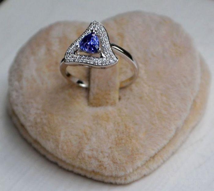 坦桑石女戒 天然坦桑石镶南非钻石18K白金女款戒指图4