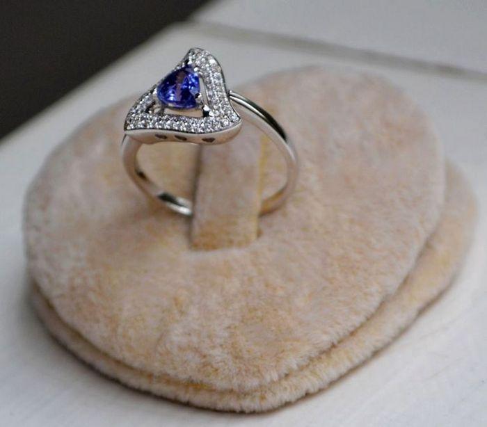 坦桑石女戒 天然坦桑石镶南非钻石18K白金女款戒指图5