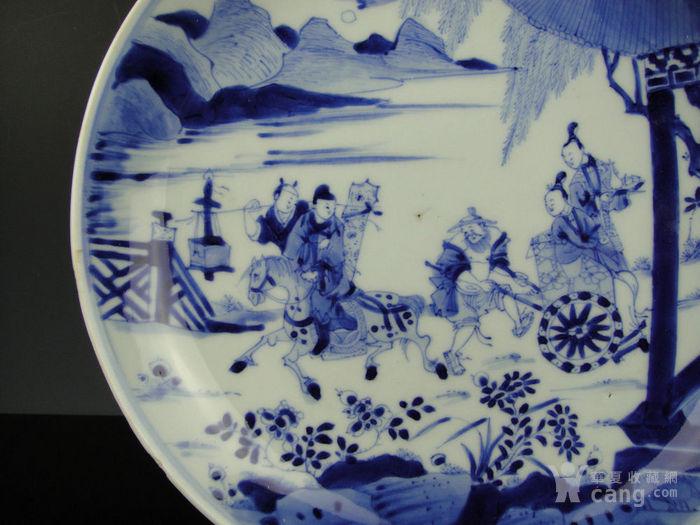 康熙青花西厢记人物盘精品(24cm)图5