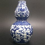 青花龙纹葫芦瓶