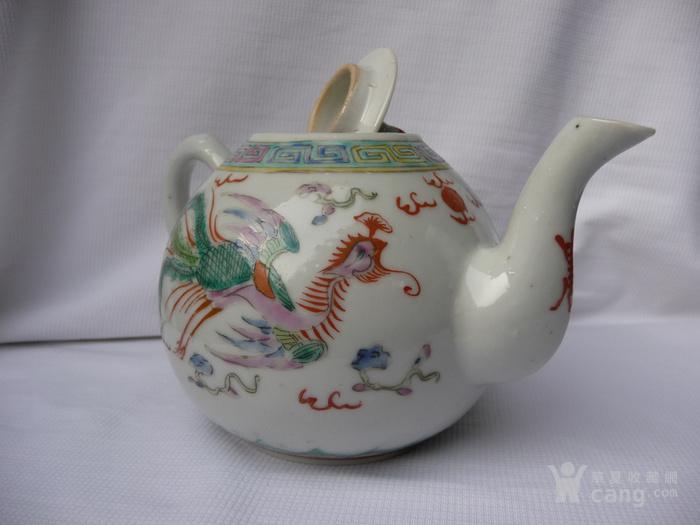 大清乾隆年制款粉彩龙凤纹茶壶图片