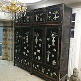 清代  红木漆器镶玉雕八宝顶箱柜