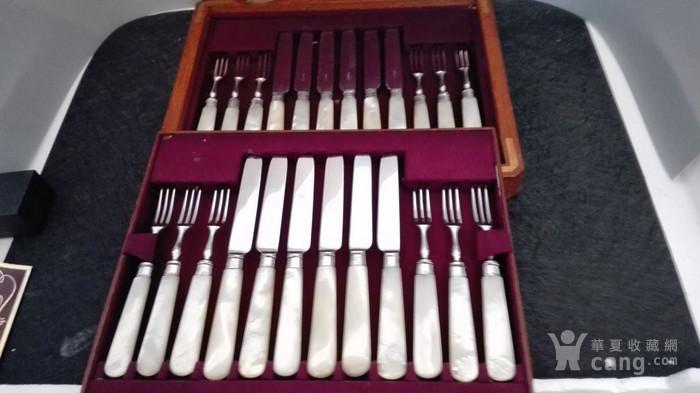 到货国内   英国1911年天然云贝母镀银刀叉餐具图1