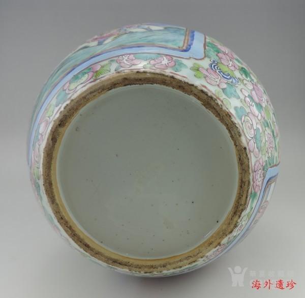 清代 中晚期 粉彩刀马人物堆塑螭龙狮耳大瓶图11