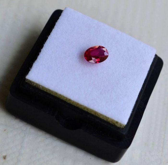 红宝石 缅甸抹谷产纯天然椭圆型0.48克拉浓彩红色红宝石图2