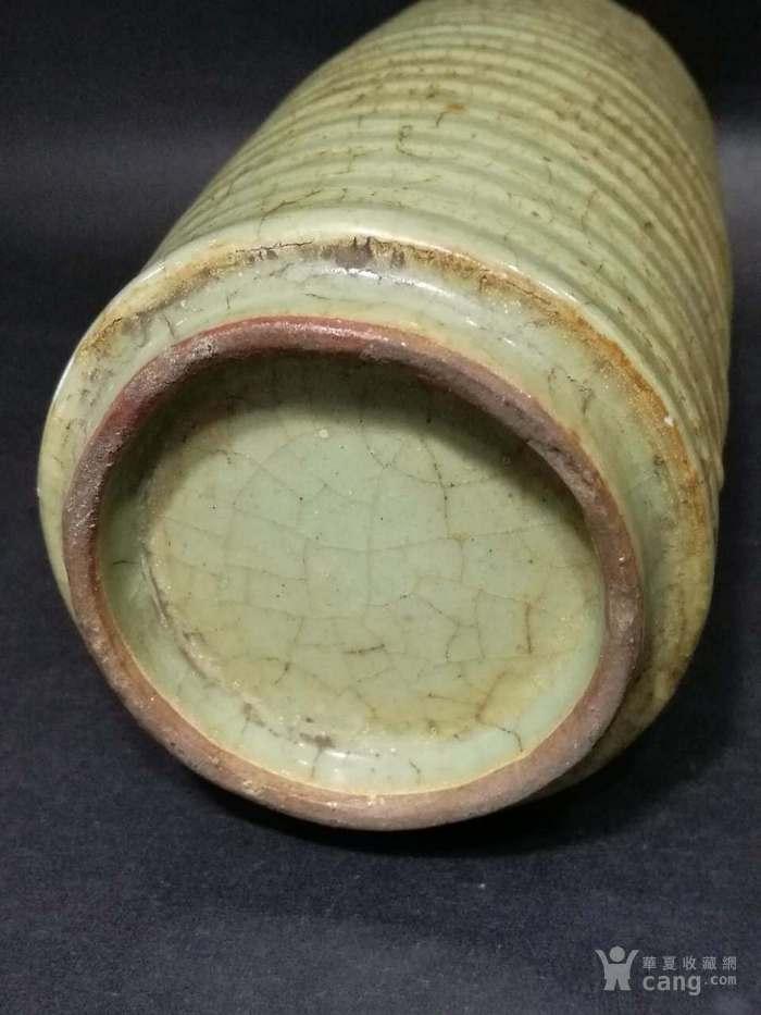 宋代龙泉窑旋纹瓶图6