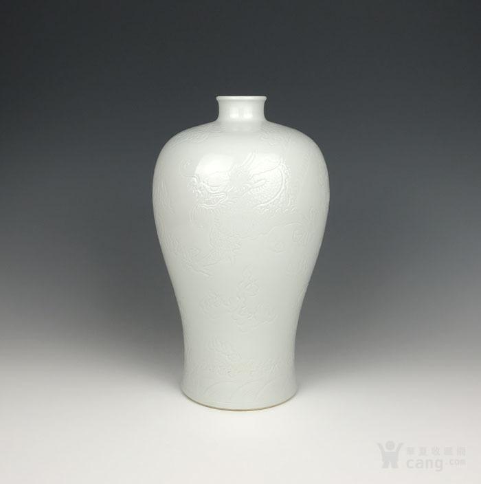 海外回流 清代白釉刻海水龙纹梅瓶图2