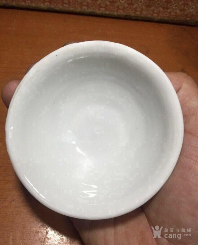 【精品茶杯】清早期德化窑白釉莲花纹盏图8