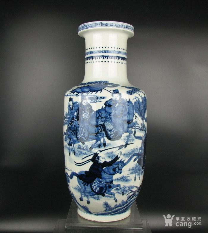 清代康熙青花人物故事棒槌瓶图1