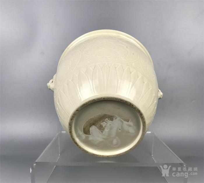 宋代定窑双狮耳牡丹纹缸图6