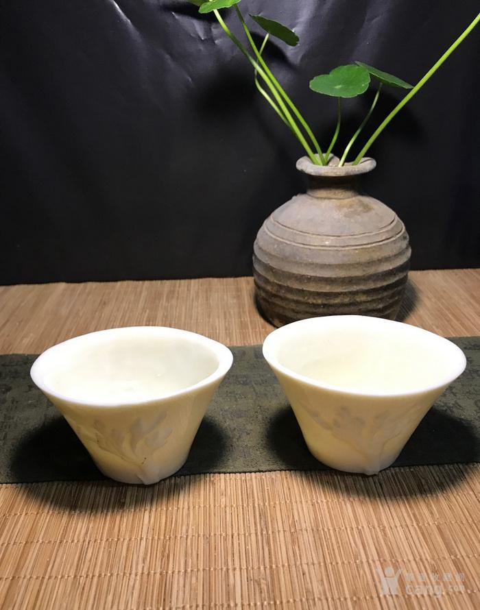一对德化窑明代棱形兰花杯,口径7cm,高4.5cm,图1