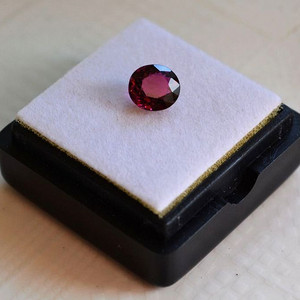 紫红色碧玺 尼日利亚纯天然紫红色碧玺0.94克拉