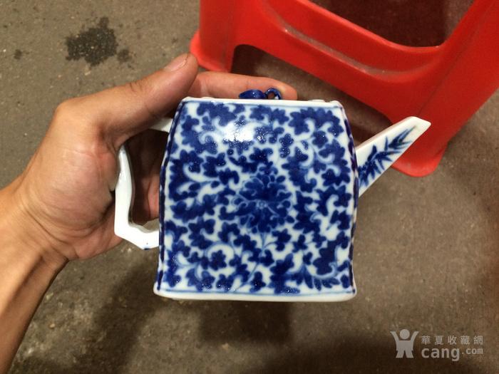 瓷器 清中期青花花卉茶壶图1