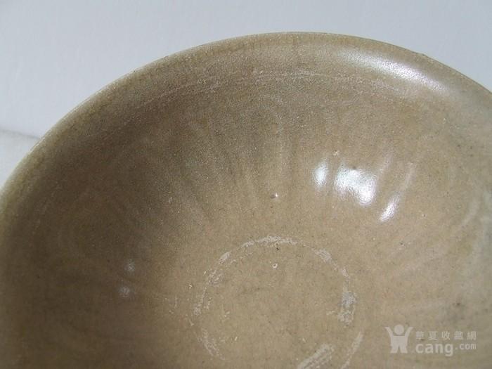 出水的南宋刻纹龙泉大碗图5