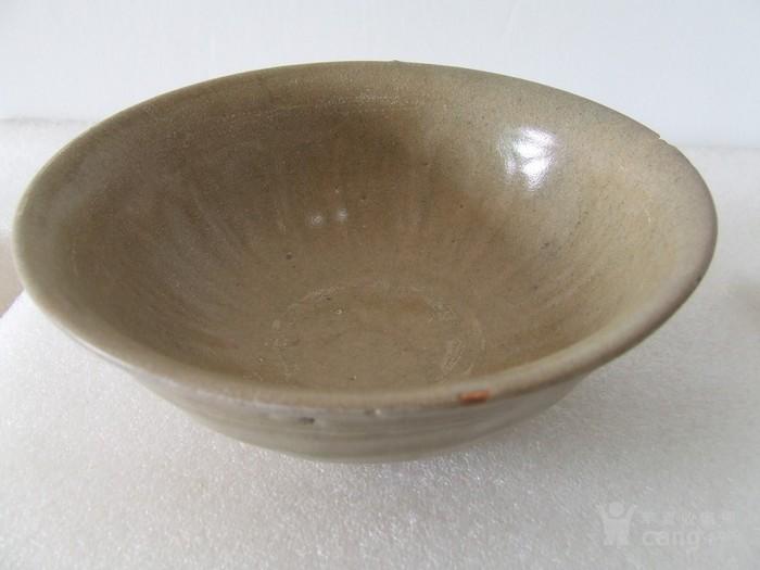 出水的南宋刻纹龙泉大碗图11