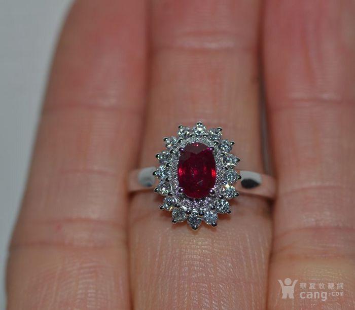 中检证书 0.992克拉天然鸽血红红宝石18K白金伴钻石戒指图2