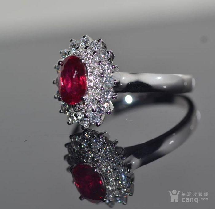 中检证书 0.992克拉天然鸽血红红宝石18K白金伴钻石戒指图3