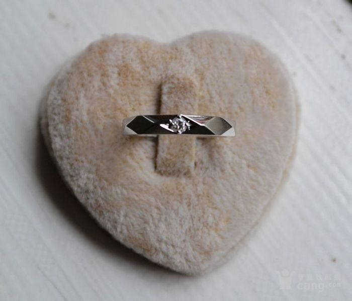 钻戒 18K金镶天然南非钻石戒指 7分裸钻 男士秀气款式图1