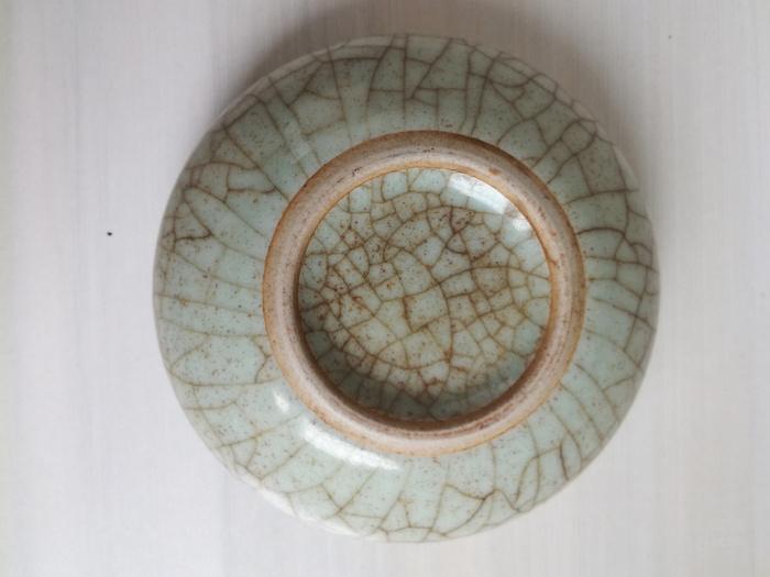 官窑粉青釉水盂图6